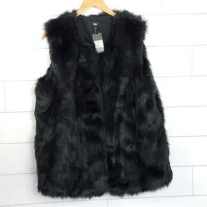 Mossimo Women's XXL Black Faux Fur Vest